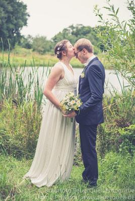 bodenlanges Brautkleid aus Spitze und reiner Seide im Empire-Stil