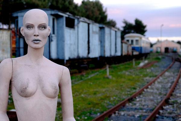 « Mandas è un nodo ferroviario dove questi trenini si fermano e si fanno una lunga, felice chiacchierata dopo il loro arduo inerpicarsi su per le colline »