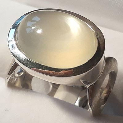ring-sterling-silber-mondstein-verschiedene steingrössen- auch in granat-