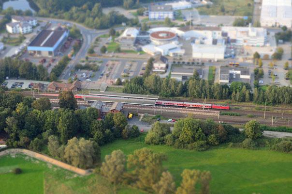 Der Bahnhof von Gifhorn wirkt wie auf einer Modeleisenbahn.