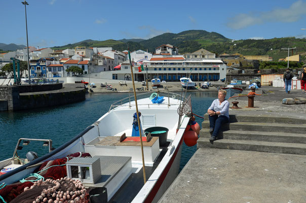 Im Hafen von Vila Franca do Campo