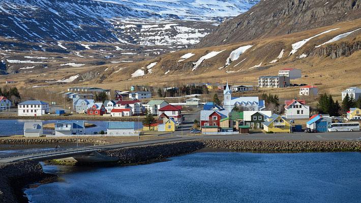 ... am Ende des gleichnamigen Fjords.