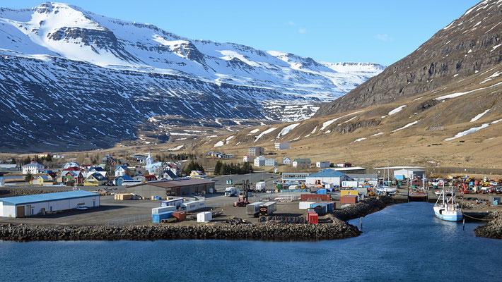 Ankunft in Seyðisfjörður ....