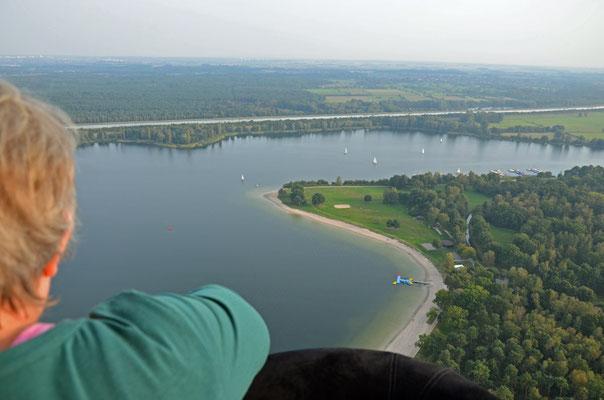 ... und los gehts. Blick auf den Tankumsee und den Elbe-Seitenkanal.