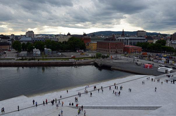 Blick nach Westen. Vor dem gelben Baukran unser Comfort Hotel Børsparken.