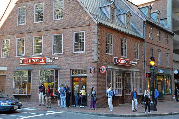 Der Old Corner Bookstore beherbergt heute leider ein Restaurant. Er gilt als die Wiege der amerikanischen Literatur.