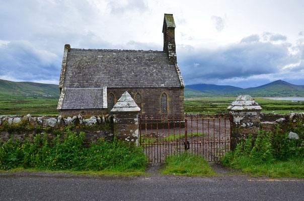 Eine alte Kirche auf der Südseite der Halbinsel Dingle.