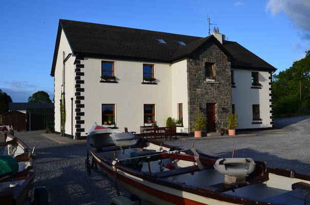 In der Corrib View Lodge, nur ein paar Kilometer von Cong entfernt, wurden wir herzlich von Michelle und Larry McCarthy empfangen. Thank you for your loving hospitality. Your full irish breakfast was great.