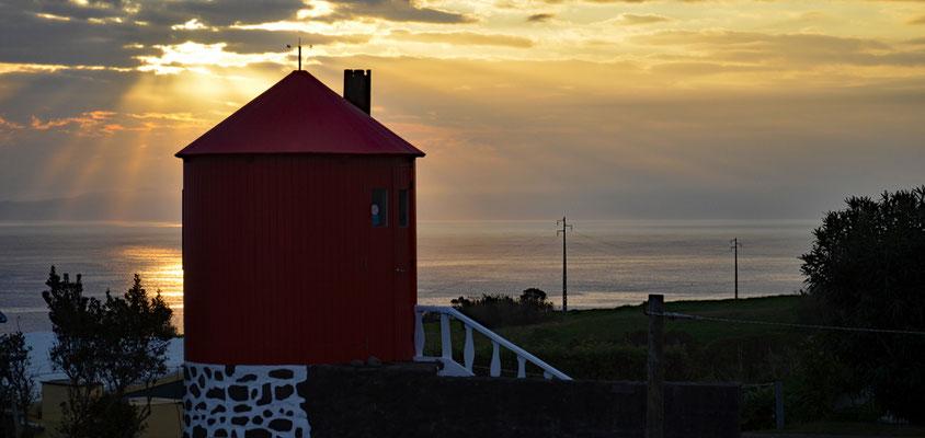 Der letzte Sonnenaufgang für uns auf Faial.