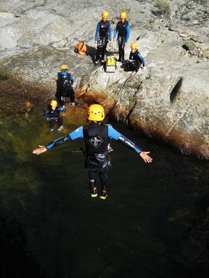 canyoning hérault-caroux- saut dans le rec grand