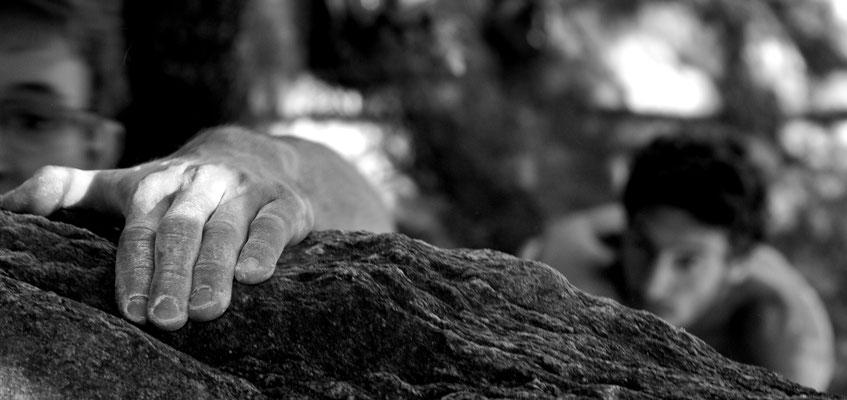 grimpe en bloc dans l'hérault - gorges d'Héric