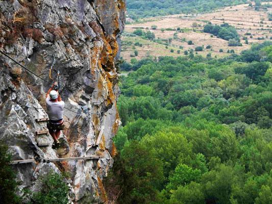 tyrolienne via ferrata acroroc haut languedoc- hérault- massif du caroux