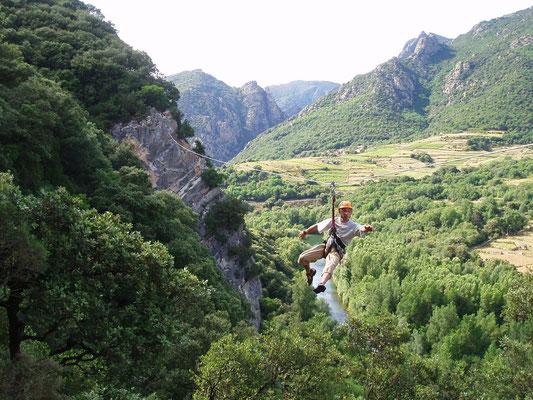 via ferrata acroroc-  tyrolienne de 100m -hérault- massif du caroux
