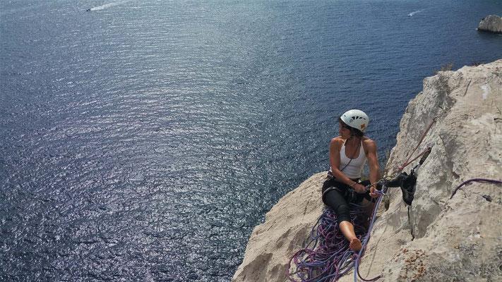 escalade aux Calanques - mer et montagne se rencontre