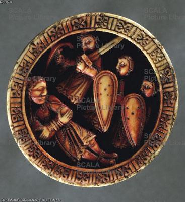 XIIe s. ; Alban School ; Pièce de jeu en ivoire de morse ; Samson capturé par les Philistins