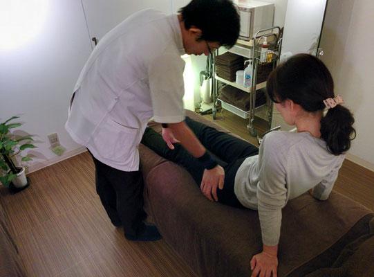 ボディケアレベルアップ講習 大腿前部の施術も丁寧に学習
