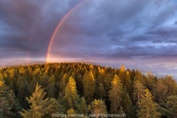 Regenbogen über dem Chuderhüsi