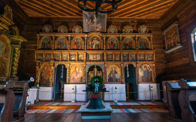 Beeindruckende evangelische Holzkirche