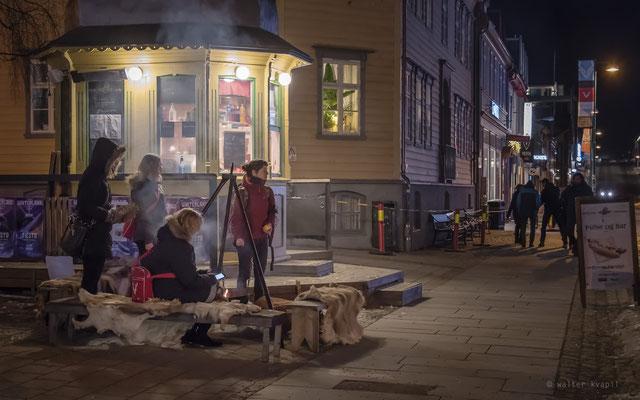 """Stadtleben im Freien"", Tromsø, 17:15 Uhr"