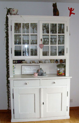 Küchenschrank neu gestrichen