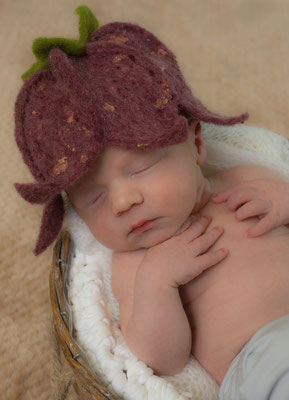Babyshooting Blütenmütze