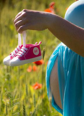 Babybauchshooting Mohnblumen