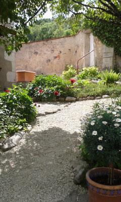 ©Sellen. Accès privé au gîte de Saint-Mihiel par la rue des Abasseaux.