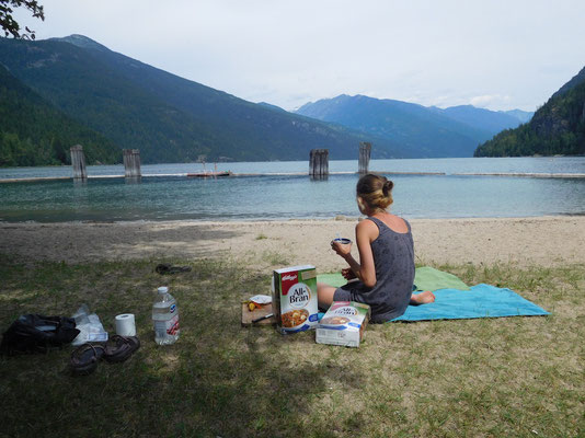 breakfast on slocan beach
