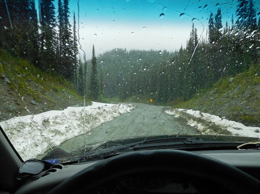 snow on top of gray creek pass