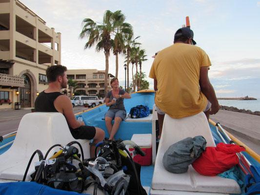 Unser Boot fuhr auch an Land
