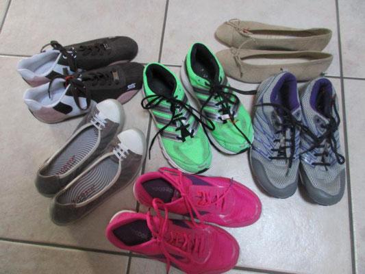 diverse Schuhe, alle Superzustand