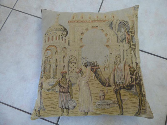 antikes Zierkissen, Verhandlungspreis