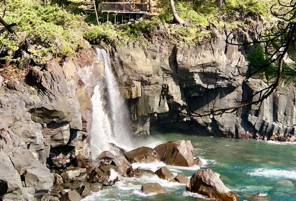 城ヶ崎海岸・幻の対馬の滝