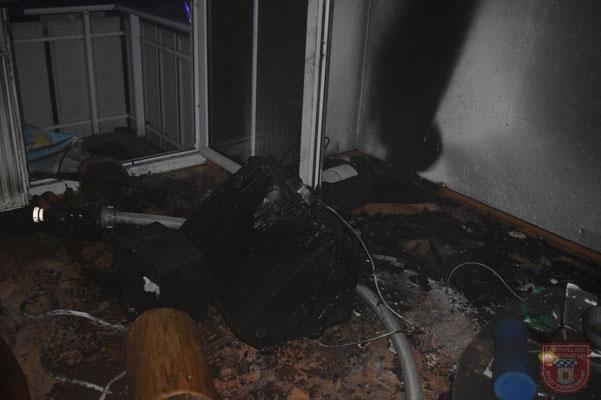 Das völlig zerstörte TV Gerät