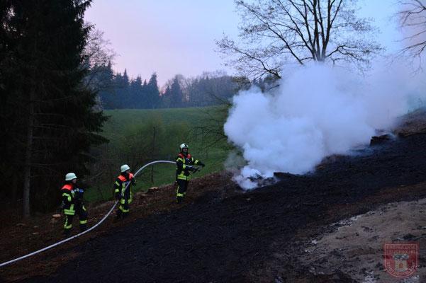 Simon Obermeier bekämpfte mit der zweiten Leitung den Brand