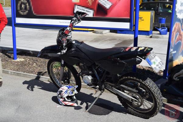 Das verungklückte Motorrad