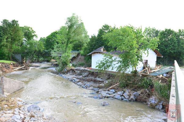 Das Flussbett bei normalem Wasserstand