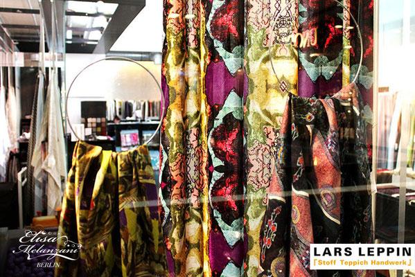 Kollektion: TREASURY - Schaufenstergestalung bei Lars Leppin im Stilwerk © ELISA MELANZANI BERLIN