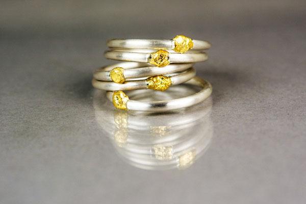 """""""Nugget-Ringe"""" 2 mm aus 935/- Silber und Feingold je 138,- €"""