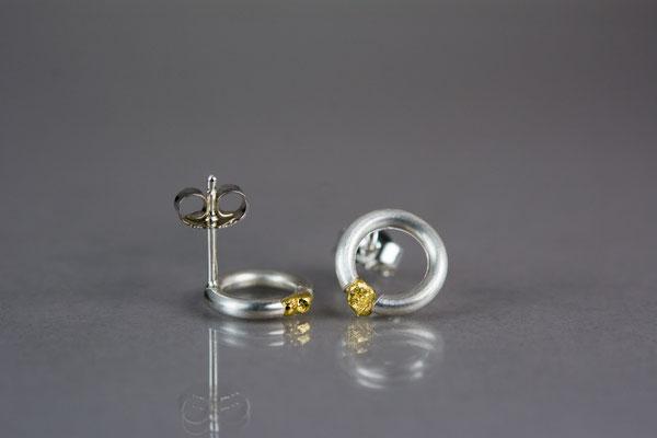 """1 Paar """"Nugget""""-Ohrstecker aus 935/- Silber mit Feingold ."""