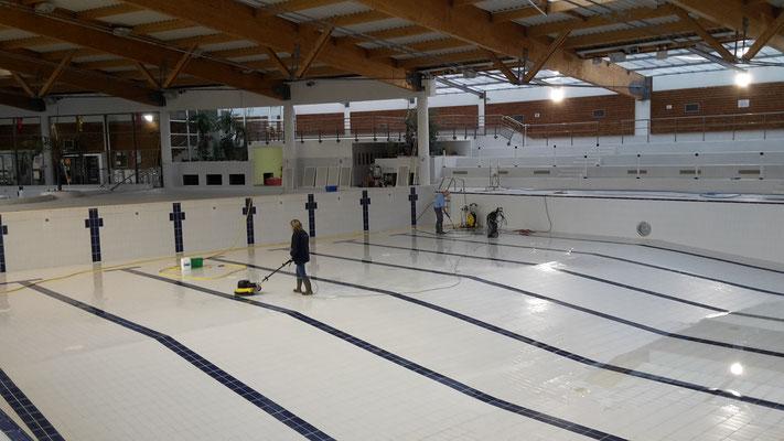 Ain Propreté Services : nettoyage de bassin de piscines