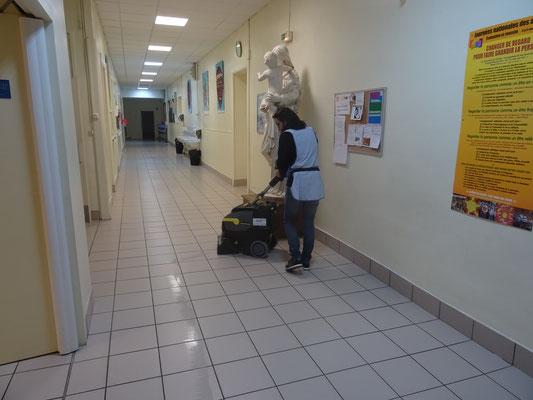 Ain Propreté Services : entretien d'une école
