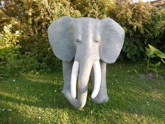 Elefant von Wolfgang Schneider