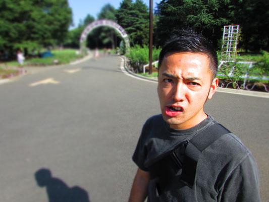 ■Yutaka Nagai:目の奥に強い信念を感じる彼は、都内でサッカースクールを展開する素晴らしいインストラクター&技巧派のFutsal Player。「生き様は表情に表れる」とは、正に彼のこと。_PHOTO@YOYOGI PARK