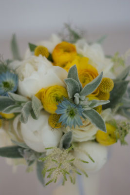 gelb weisser blauer Brautstrauß