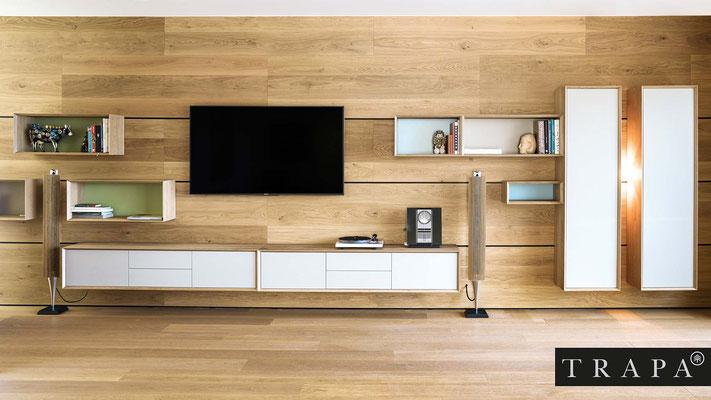 TRAPA Systemöbel - Wandverkleidung und Möbelwand aus Holz
