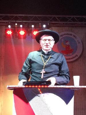 Großostheims Ehrenbürger Horst Schad als Pfarrer bei seiner Wutpredigt - ein Wilschenimschter Original