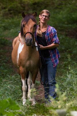 Pferdefotoshooting Lewitzer Buckskin Schecke