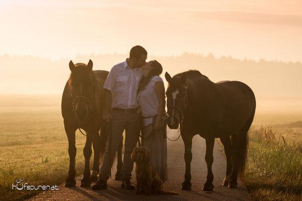 Romtisches Liebespaar mit Pferden, www.hufspuren.com