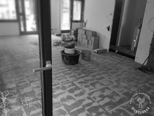 Vorher: altes Wohnzimmer mit Klinkerplatten